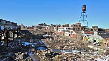 Ce-quil-reste-de-lusine-Packard-à-Detroit